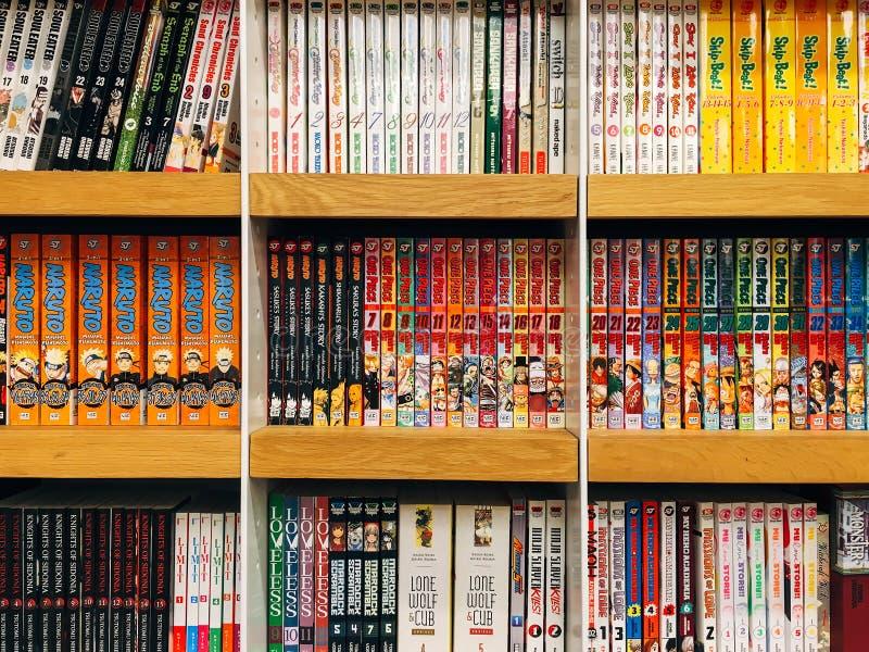 Japans Manga Comic Magazines For Sale in Lokale Boekhandel stock foto's