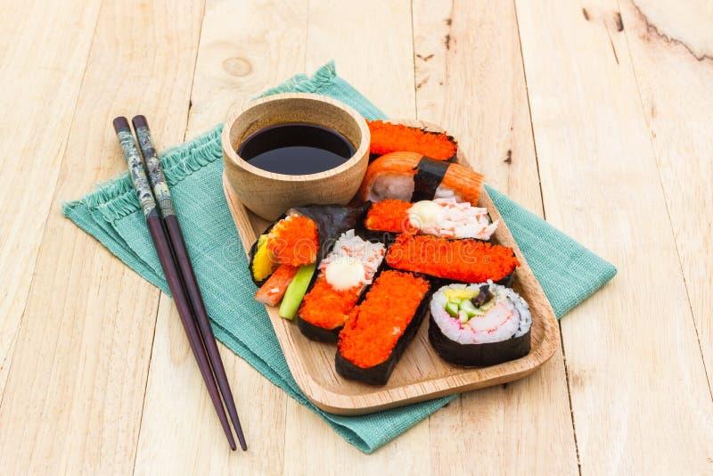 Japans sushi traditioneel voedsel royalty-vrije stock afbeelding