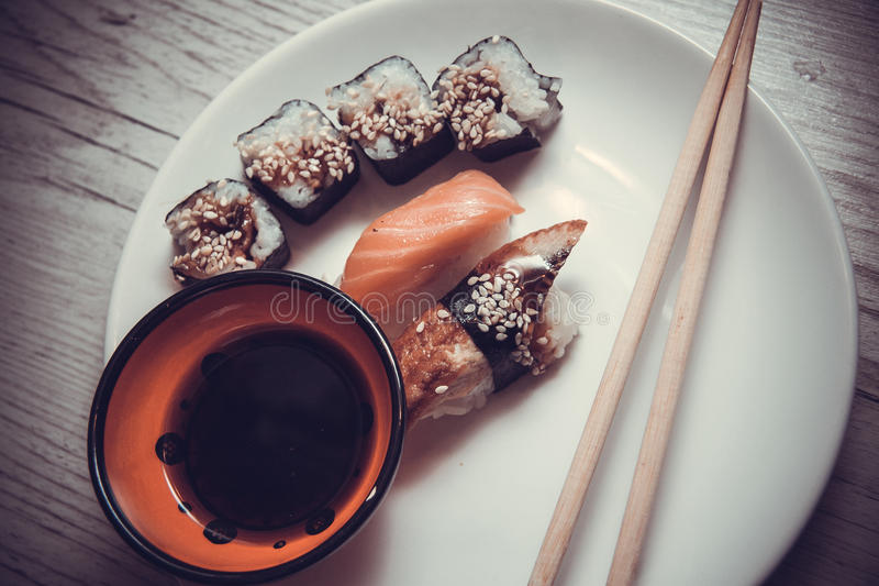 Japans voedsel: maki royalty-vrije stock afbeeldingen