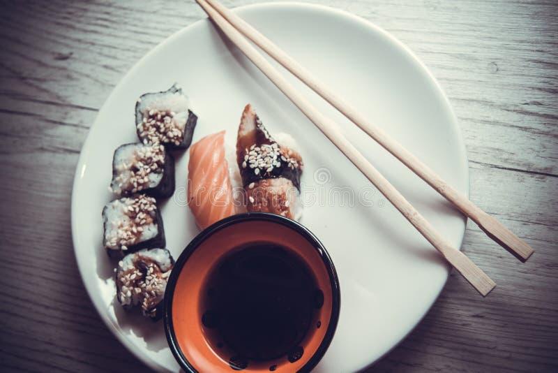 Japans voedsel: maki stock foto's