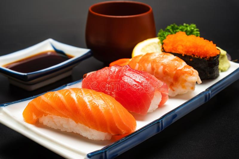 Japans voedselconcept Sushizalm stock afbeelding