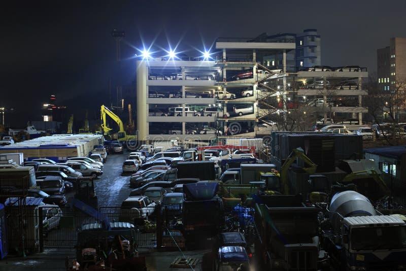 Japanse auto's in Vladivostok de streek van de havendouane stock foto's