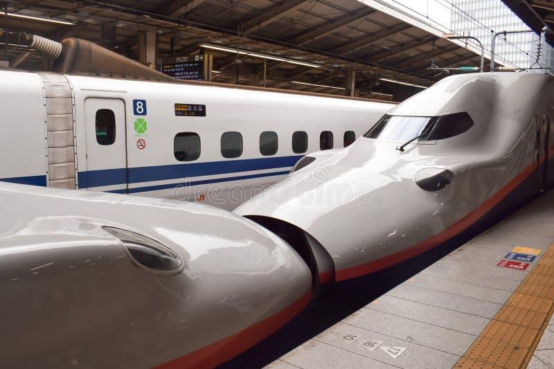 Japanse hoge snelheidsultrasnelle trein stock afbeelding