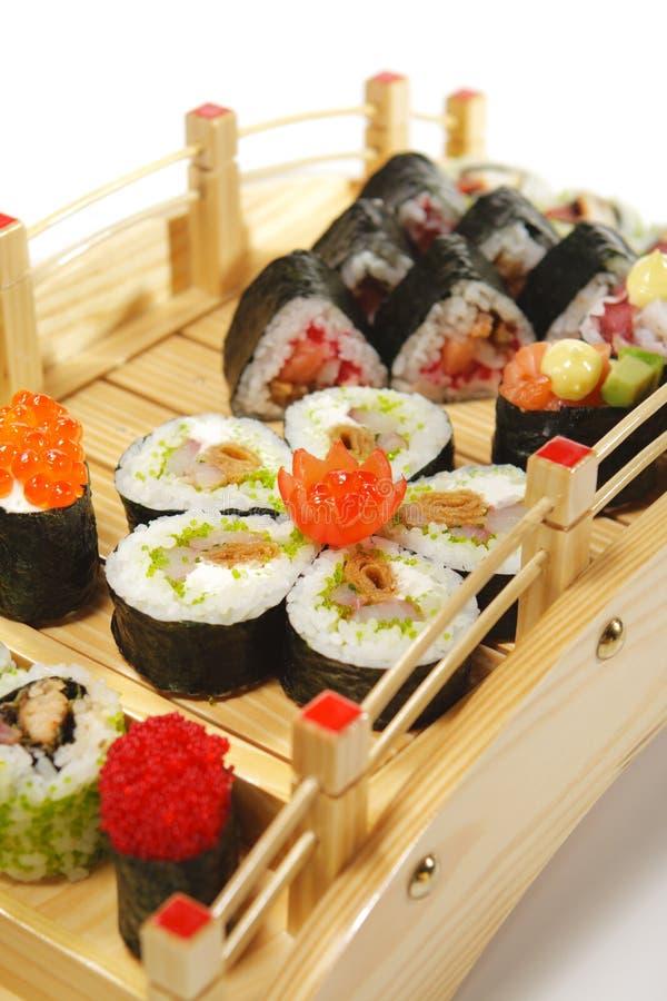 Download Japanse Keuken - De Reeks Van Sushi Stock Foto - Afbeelding bestaande uit vissen, japans: 10779880