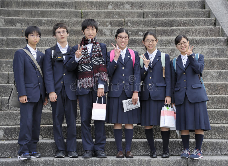 Japanse middelbare schoolstudenten stock foto