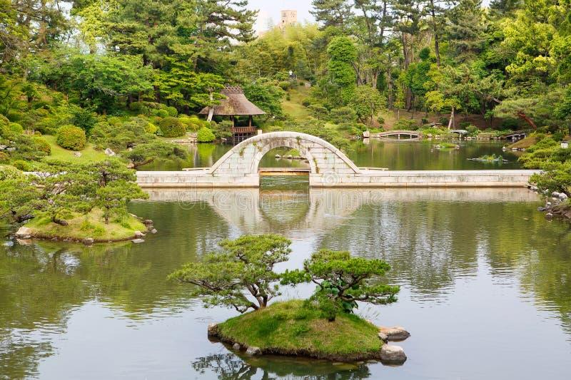 Japanse stijltuin in Hiroshima, Japan stock afbeelding