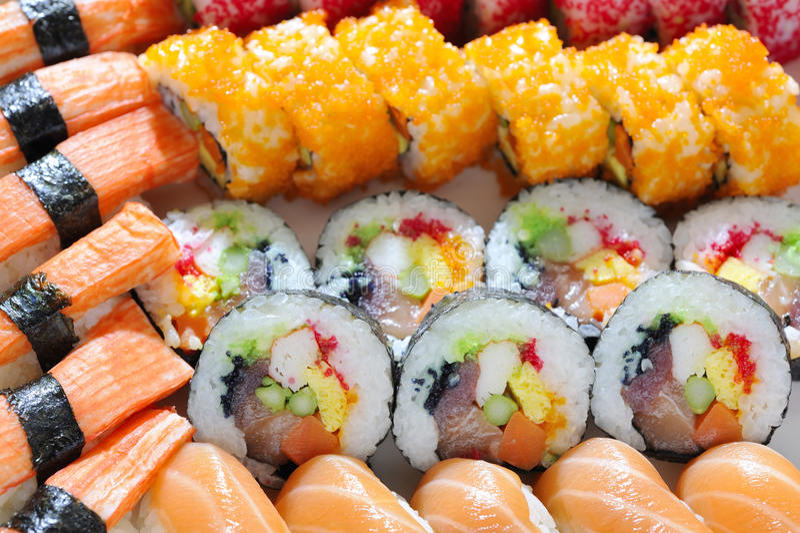 Japanse sushibroodjes stock foto's