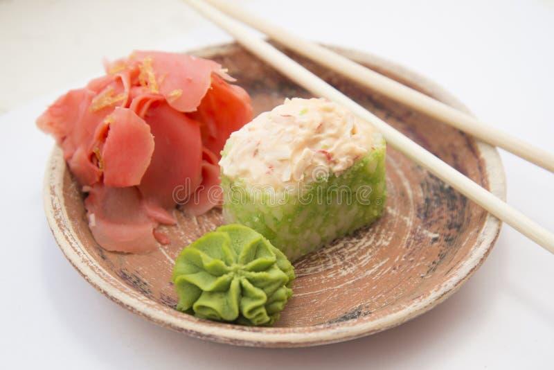 Japanse traditionele voedselbroodjes en sushi stock foto