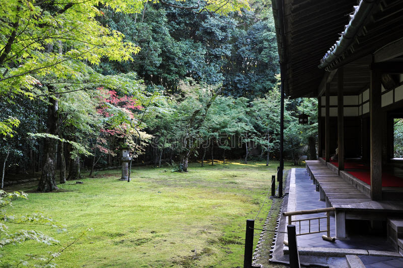 Japanse tuin in de koto-binnen tempel Kyoto, Japan royalty-vrije stock afbeelding