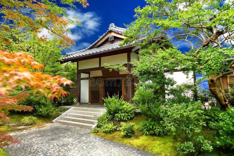 Japanse tuin - nihon teien stock fotografie