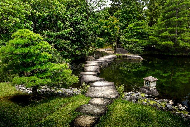 Japanse tuin - nihon teien stock afbeeldingen
