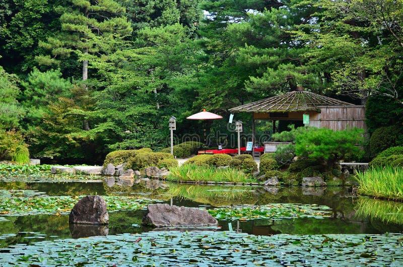Japanse tuin van Heian-Heiligdom, Kyoto Japan stock foto