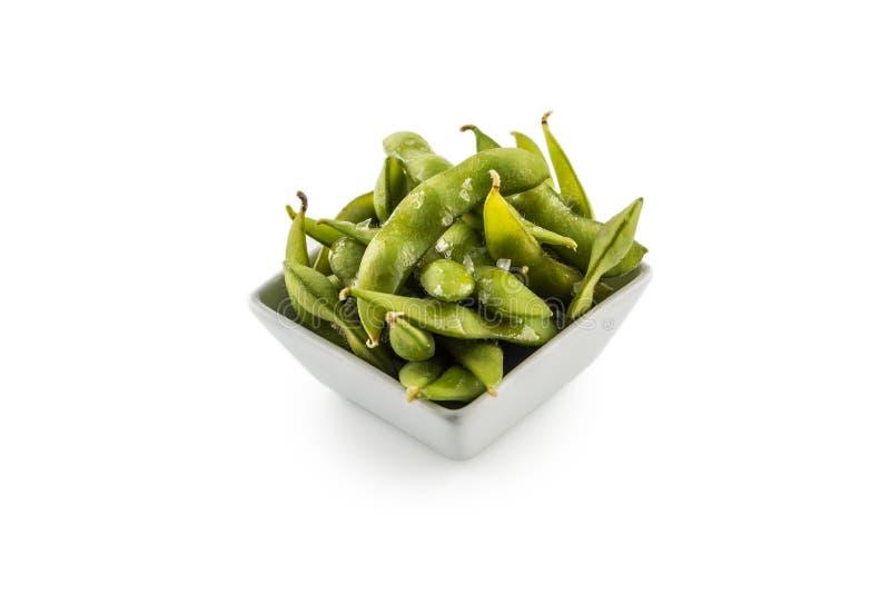 Japansk asiatisk matedamame knaprar, kokade gröna sojabönabönor royaltyfri foto