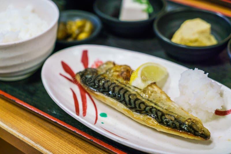 Japansk grillad matstilSaba teriyaki arkivfoto