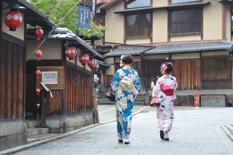 Japansk kimonoGeisha royaltyfri fotografi