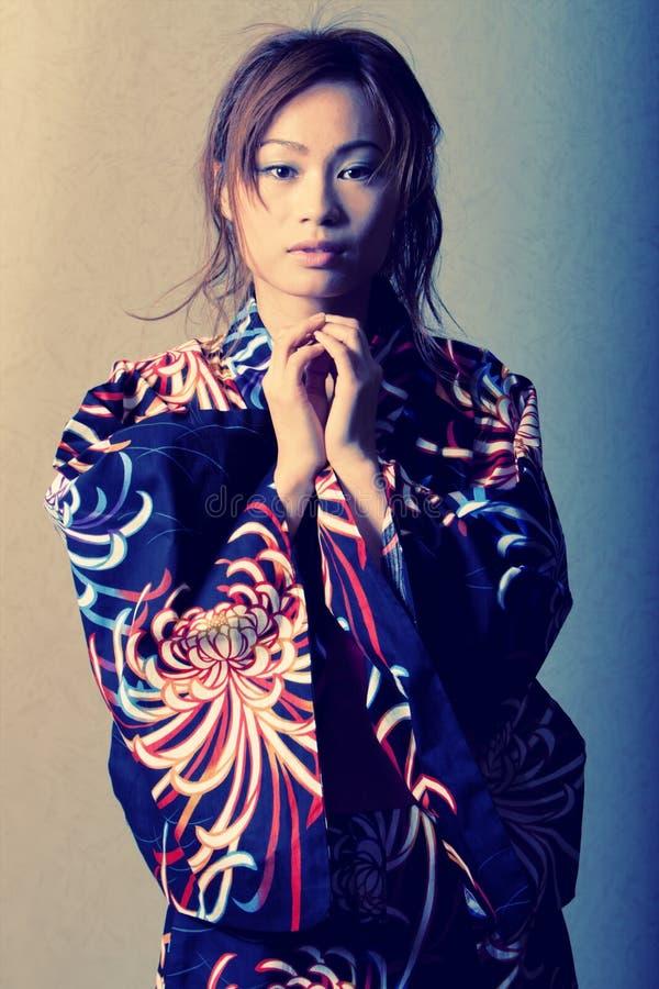 japansk kimonokvinna royaltyfria bilder