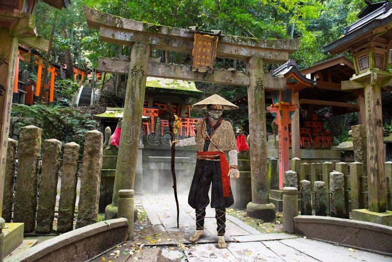 Japansk man, tempel, relikskrin, kultur arkivfoton