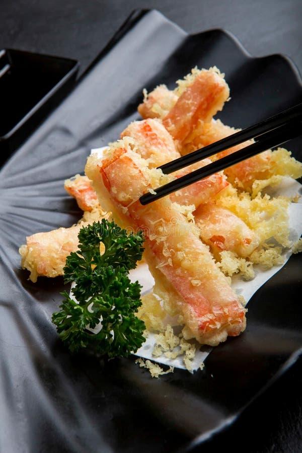 Japansk matmeny, stekte krabbapinnar arkivfoton