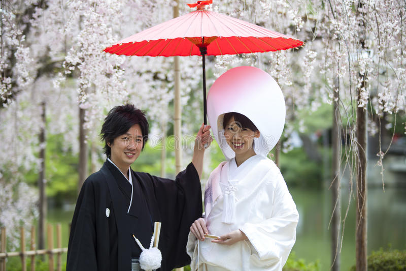 Japansk traditionell bröllopsklänning arkivbilder