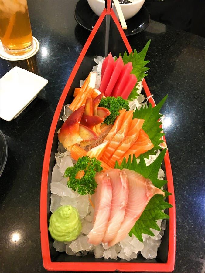 Japanska foods för sushiSashimi Japanska foods för sushiSashimi arkivbild