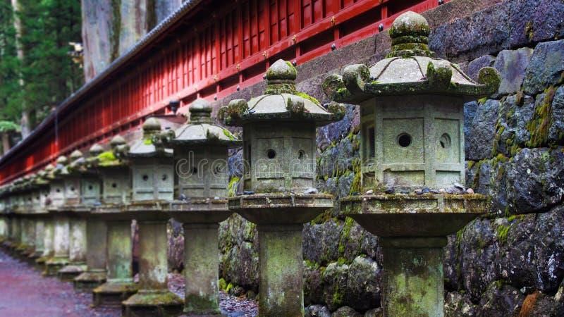Japanska stenlyktor royaltyfria bilder