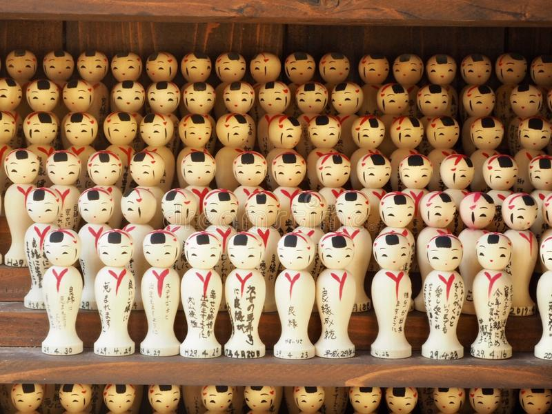 Japanska trädockor Kokeshi royaltyfria bilder