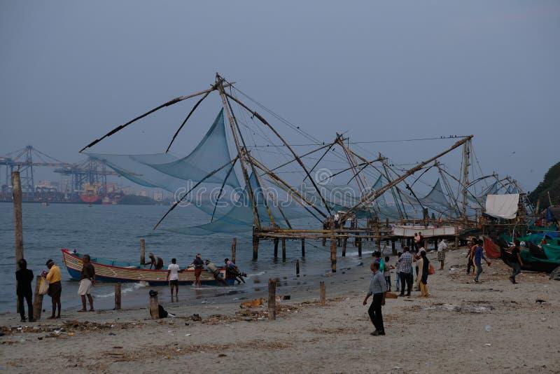 Japanskt fisknät i Kochi, Kerala, Indien royaltyfria foton
