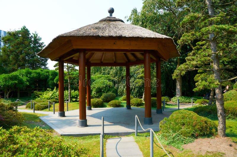 Japanträdgården på Planten FN Blomen parkerar hamburg royaltyfria foton