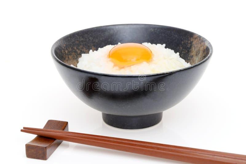 Japońscy ryż z surowym jajkiem zdjęcie royalty free