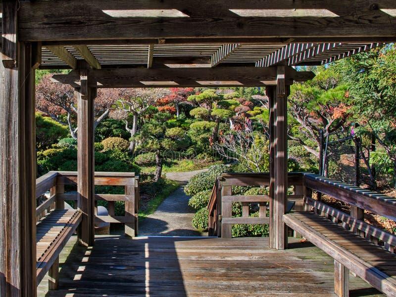 Japończyka ogródu parka pokładu teren zdjęcie royalty free