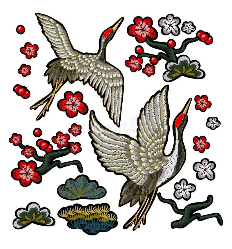 Japońscy biali żurawie z czerwonymi kwiatami ilustracja wektor