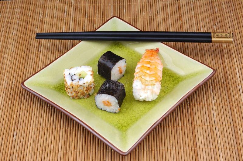 japońskie jedzenie mak sushi zdjęcie stock