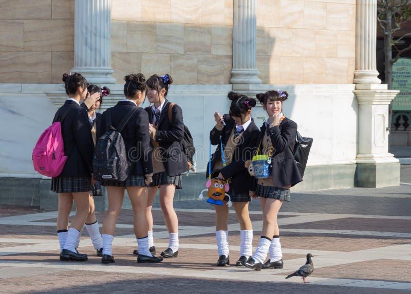 japońskie uczennice zdjęcia royalty free