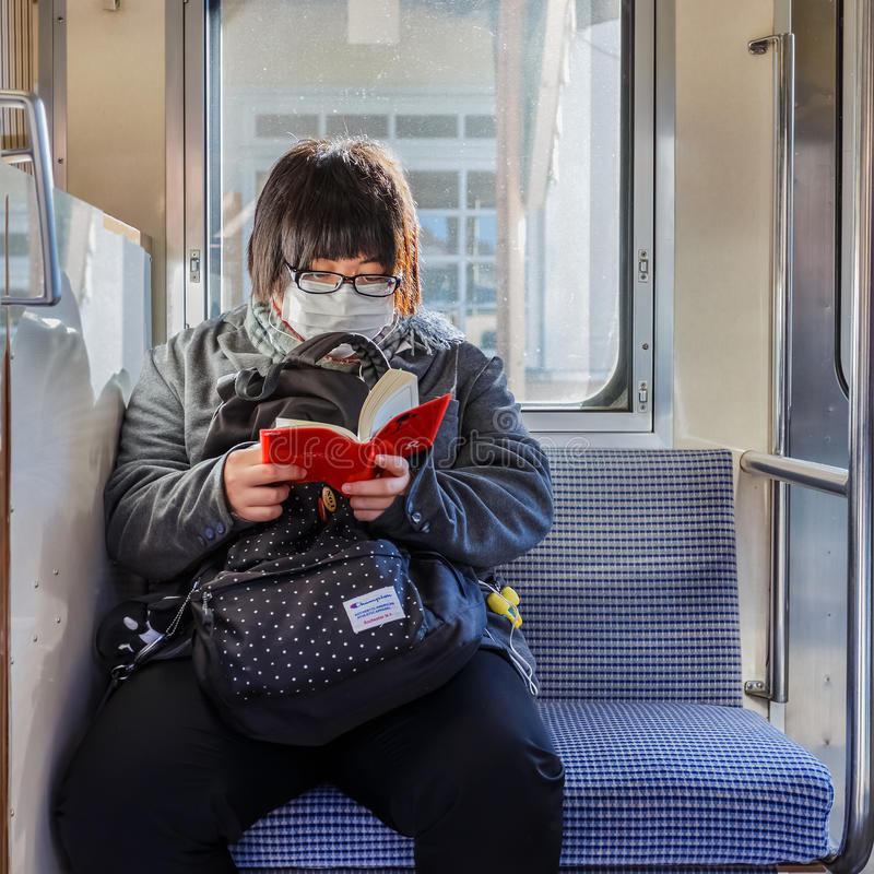 Japonês em um trem foto de stock royalty free
