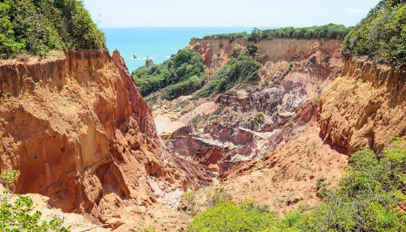 Jar falezy z wiele kamieniami sedimented czasem zdjęcie stock