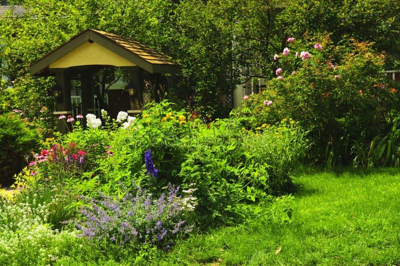 Jardín ajardinado fotografía de archivo