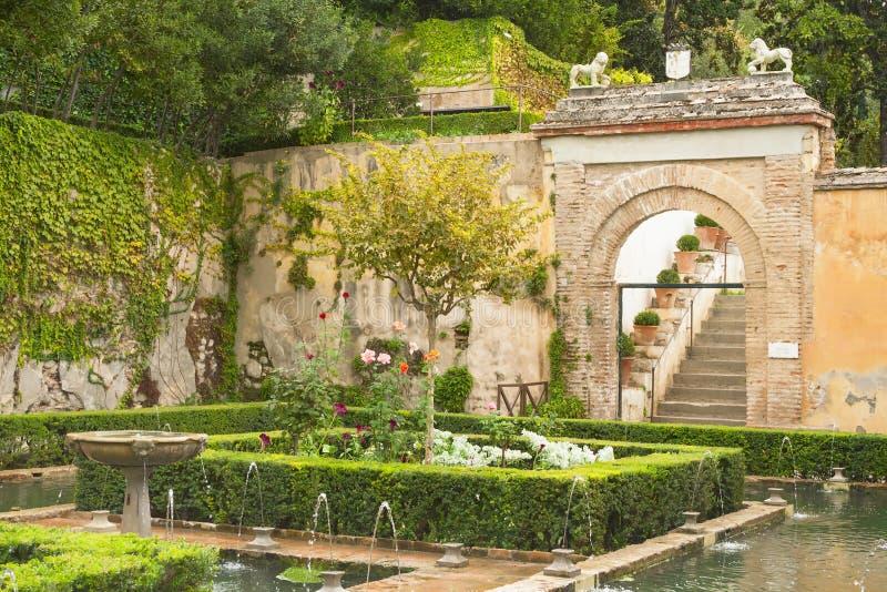 Jardín de Alhambra foto de archivo libre de regalías