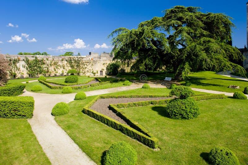 jardín de Chateau de Montreuil-Bellay, Pays-de-la-Loire, Francia fotos de archivo