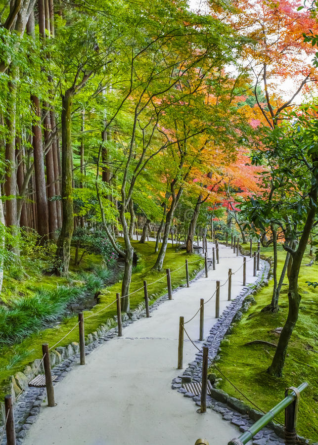 Jardín de Chisen-kaiyushiki en el templo de Ginkaku-ji, Kyoto imagenes de archivo