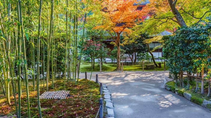 Jardín de Chisen-kaiyushiki en el templo de Ginkaku-ji, Kyoto fotos de archivo