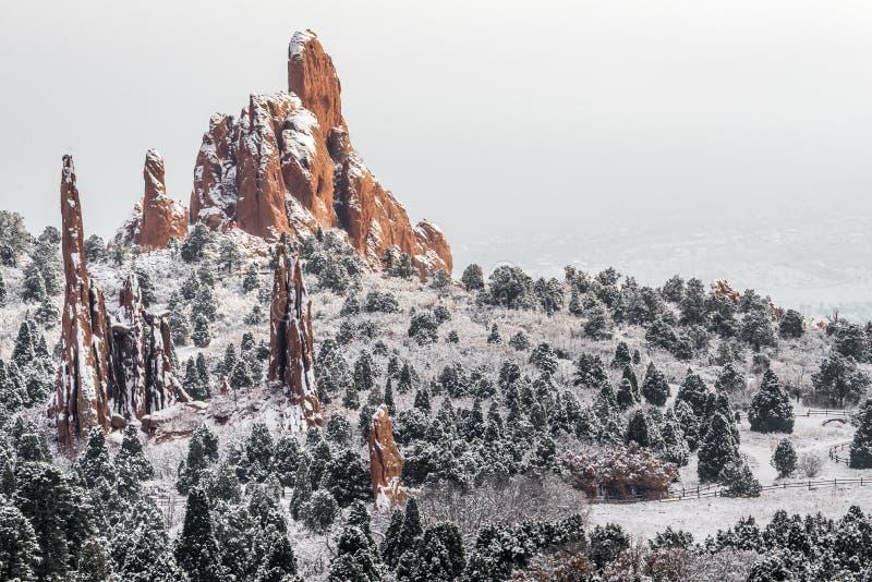Jardín de dioses - nieve del invierno de Colorado Springs imagen de archivo libre de regalías