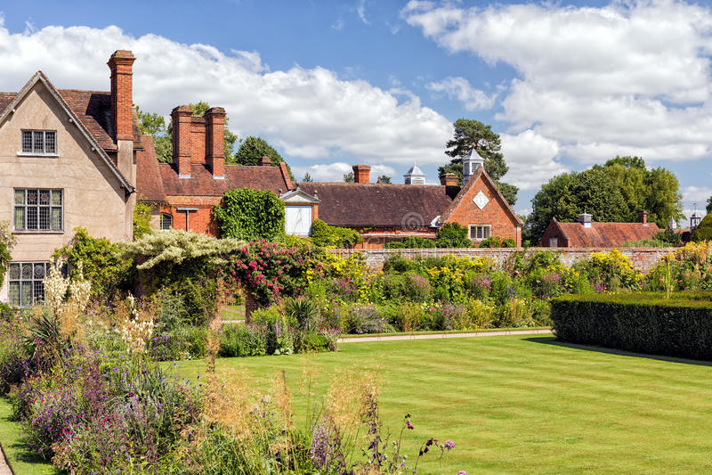 Jardín de la casa de Packwood, Warwickshire, Inglaterra imagen de archivo