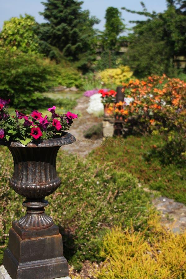Jardín de lujo fotografía de archivo libre de regalías