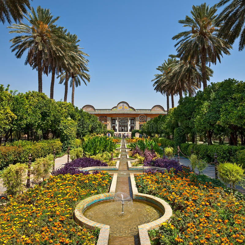 Jard n de narenjestane qavam en shiraz con ajardinar del for Jardin islamico