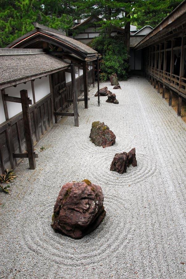 Jardín de roca japonés imagen de archivo