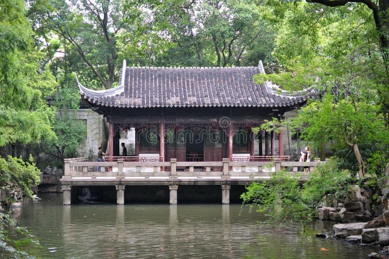 Jardín de Shangai Yuyuan, jardín chino del tradicional histórico en Shangai, China imagen de archivo libre de regalías