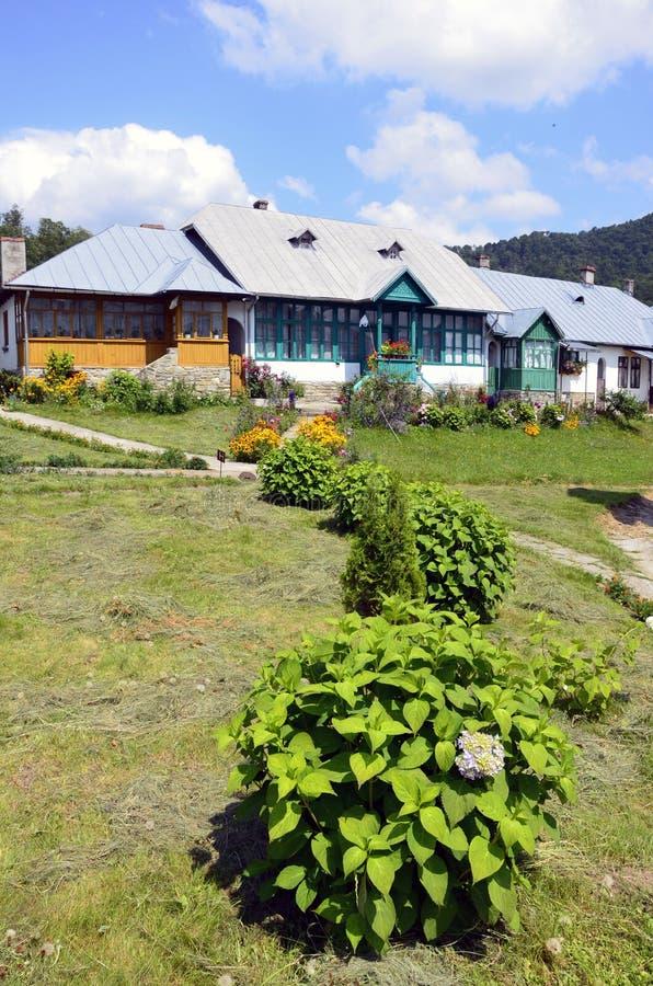 Jardín del monasterio de Suzana fotografía de archivo libre de regalías