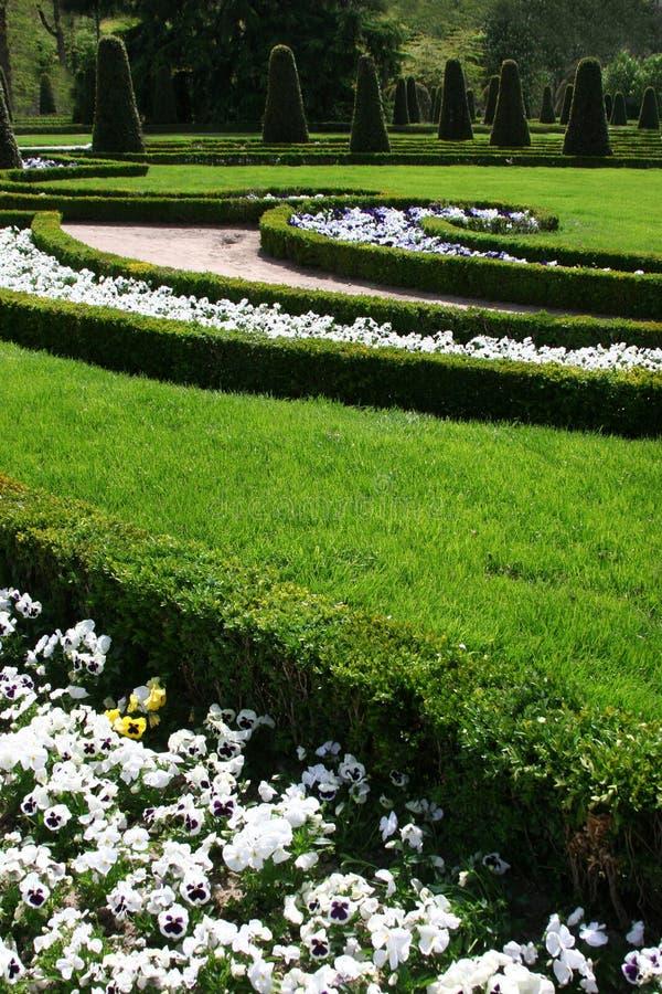 Jardín del palacio imagen de archivo libre de regalías