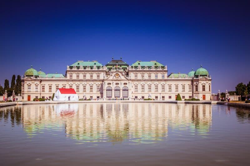 Jardín del palacio del belvedere en Viena, Austria fotos de archivo