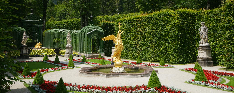 Jardín del palacio de Linderhof fotos de archivo
